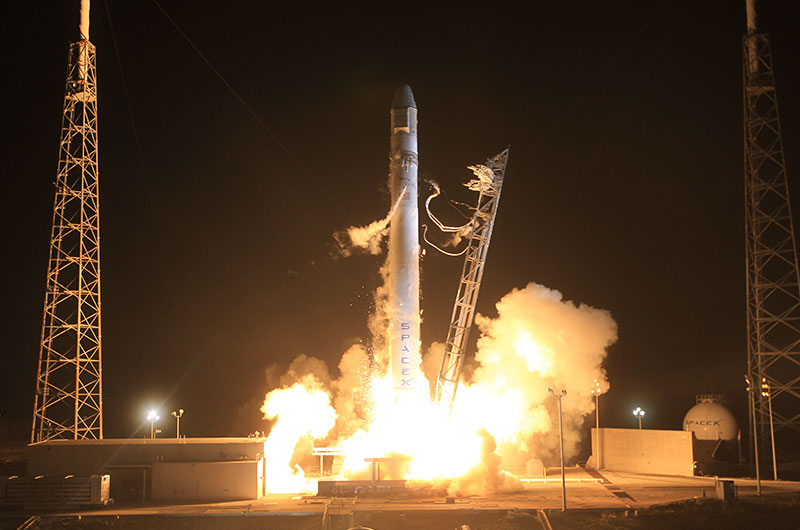 SpaceX launches commercial spacecraft on first flight to space station