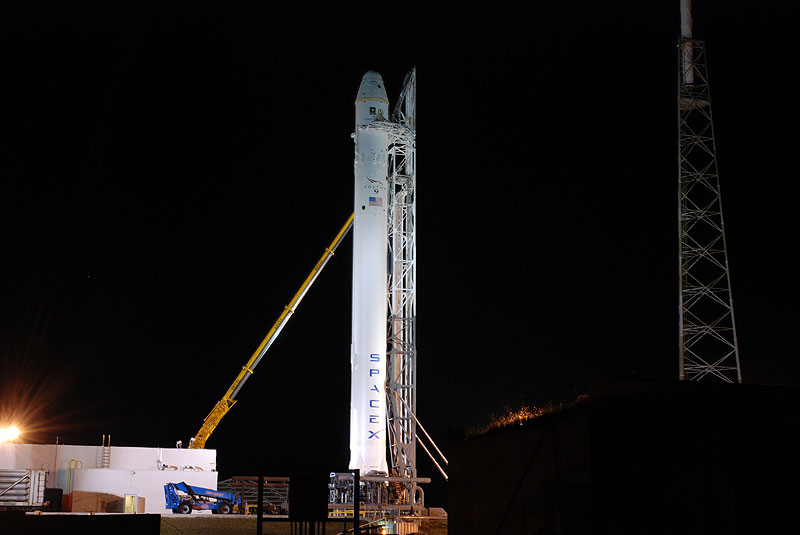 SpaceX set for historic launch of Dragon spacecraft
