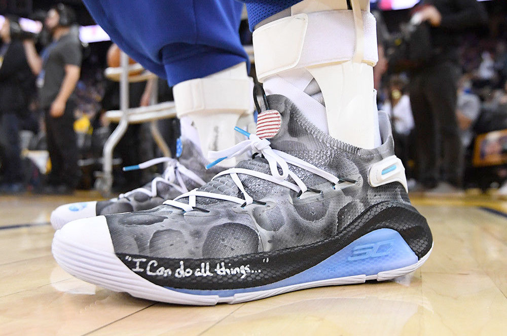 size 40 975a9 5a935 Stephen Curry's 'Moon Landing' sneakers land on eBay for ...
