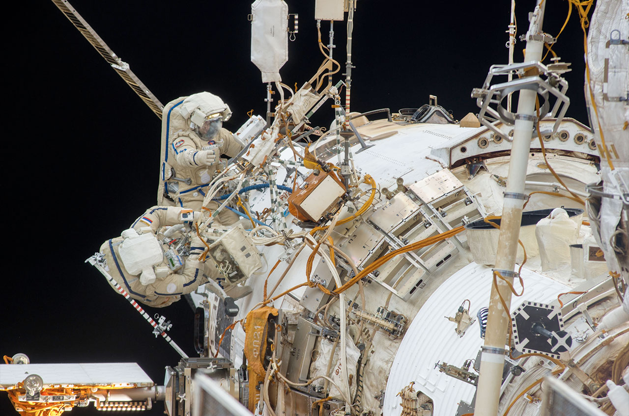 Cosmonauts repeat spacewalk to add new Earth-viewing ...