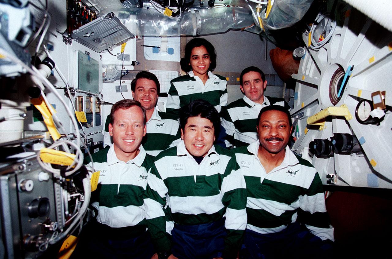 apollo astronauts who flew the space shuttle - photo #44