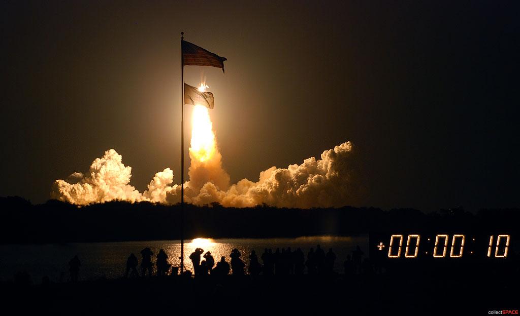 space shuttle landing at night - photo #42