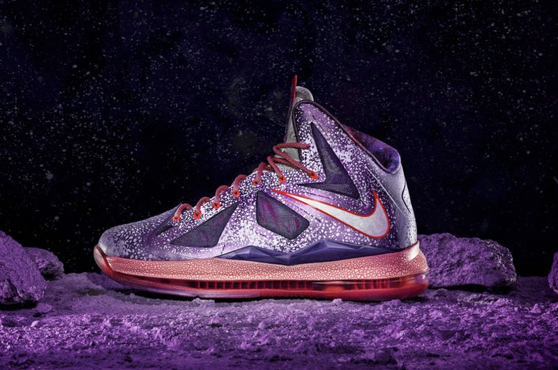 huge discount 4bf3f 7683f Mission Control Houston gives launch to new Nike basketball sneakers   collectSPACE