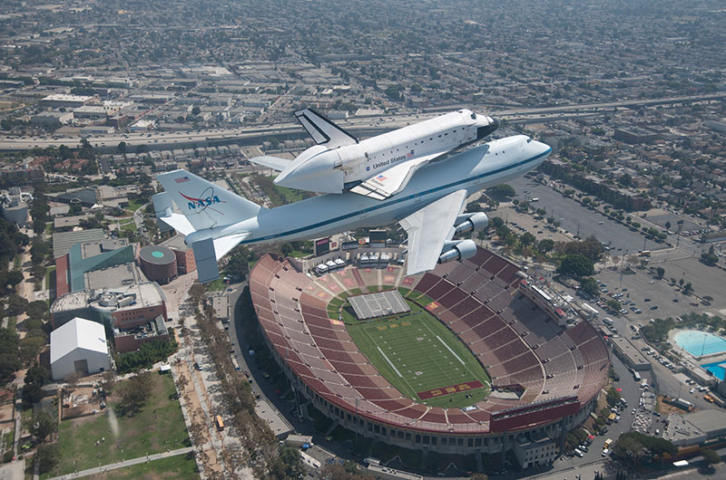 Space shuttle Endeavour's museum move focus of new photo ...