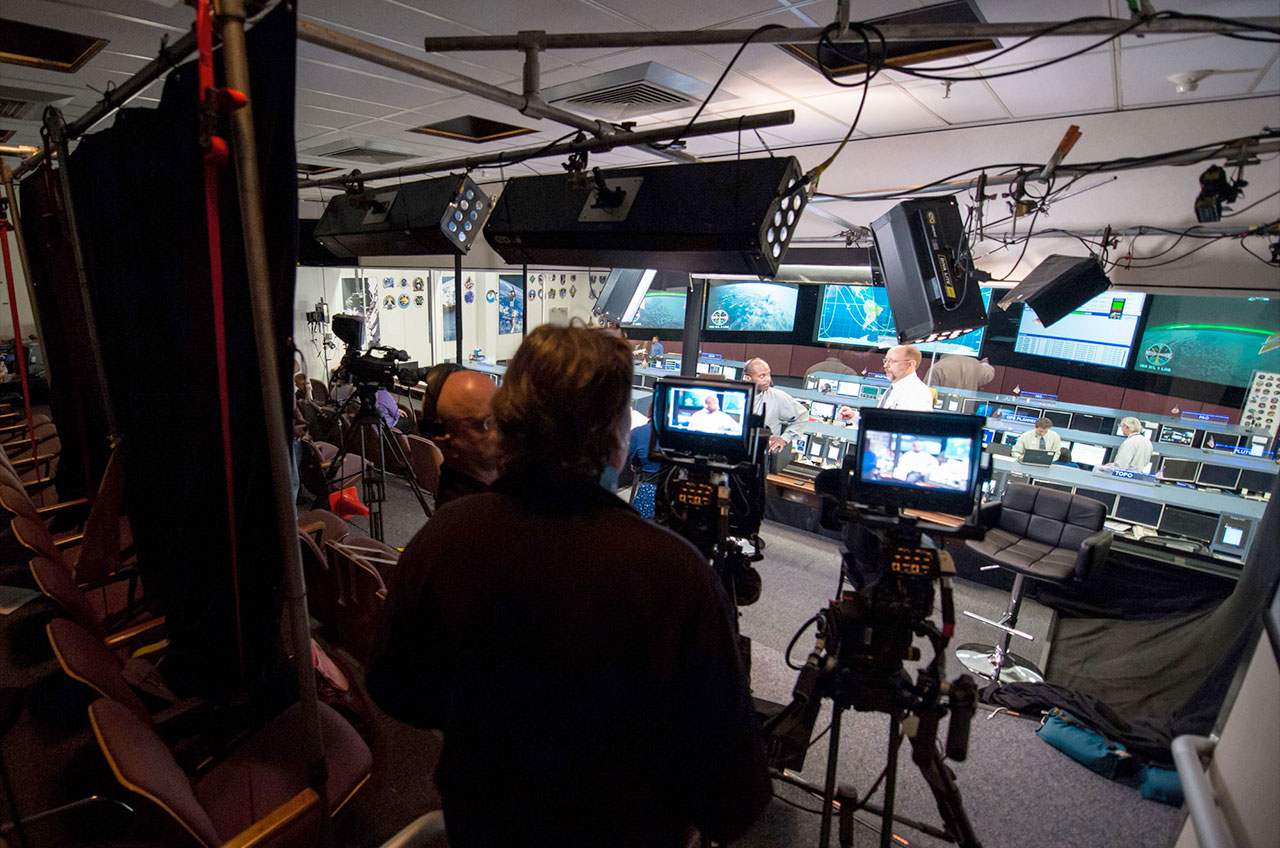 Houston, we're 'Live From Space': National Geographic to ...