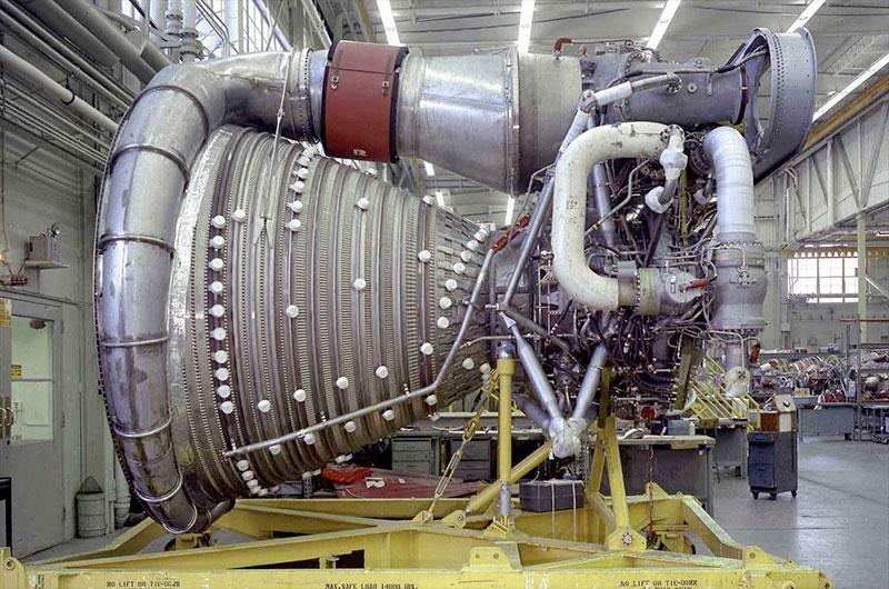 Apollo F-1 rocket engines raised off ocean floor by Amazon ...