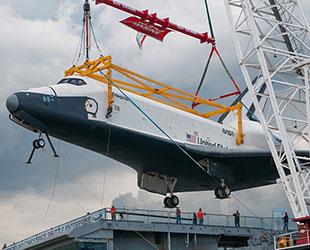 space shuttle landing onboard - photo #11