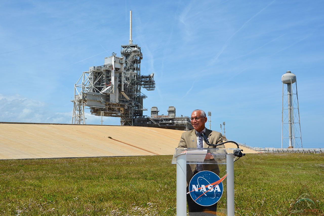 NASA signs over historic Launch Pad 39A to SpaceX ...