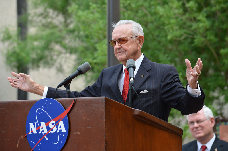 NASA names Mission Control after first flight director