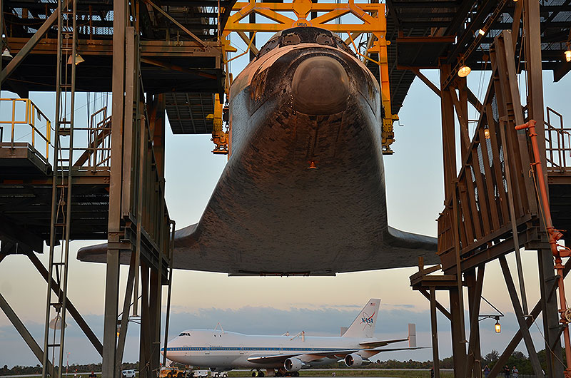 Space shuttle Discovery mated to jumbo jet for ride to Smithsonian