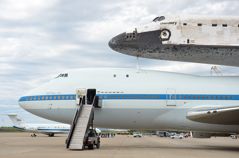 Space shuttle Discovery lands in Washington for Smithsonian display