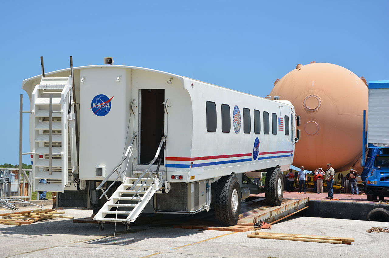 Space Shuttle Transport Vehicle - Pics about space