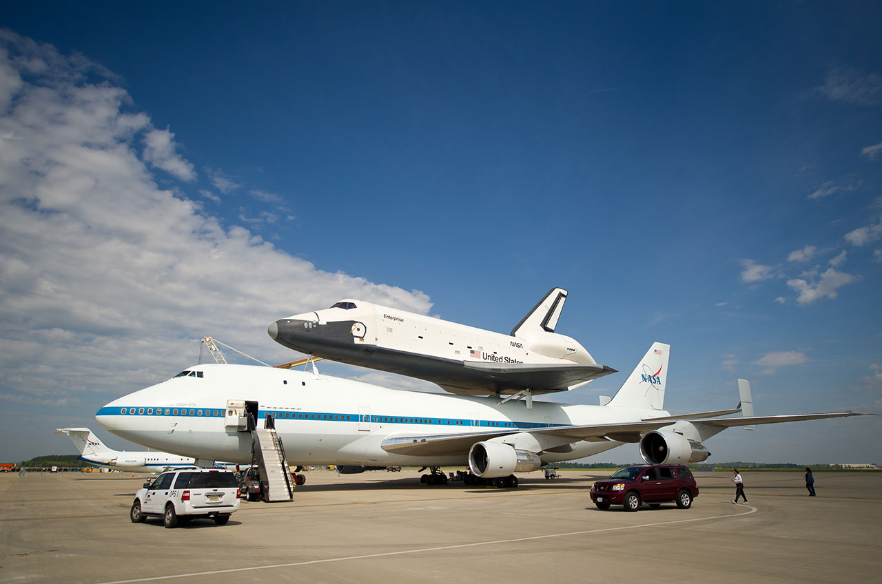 NASA's prototype space shuttle Enterprise now aims for ...