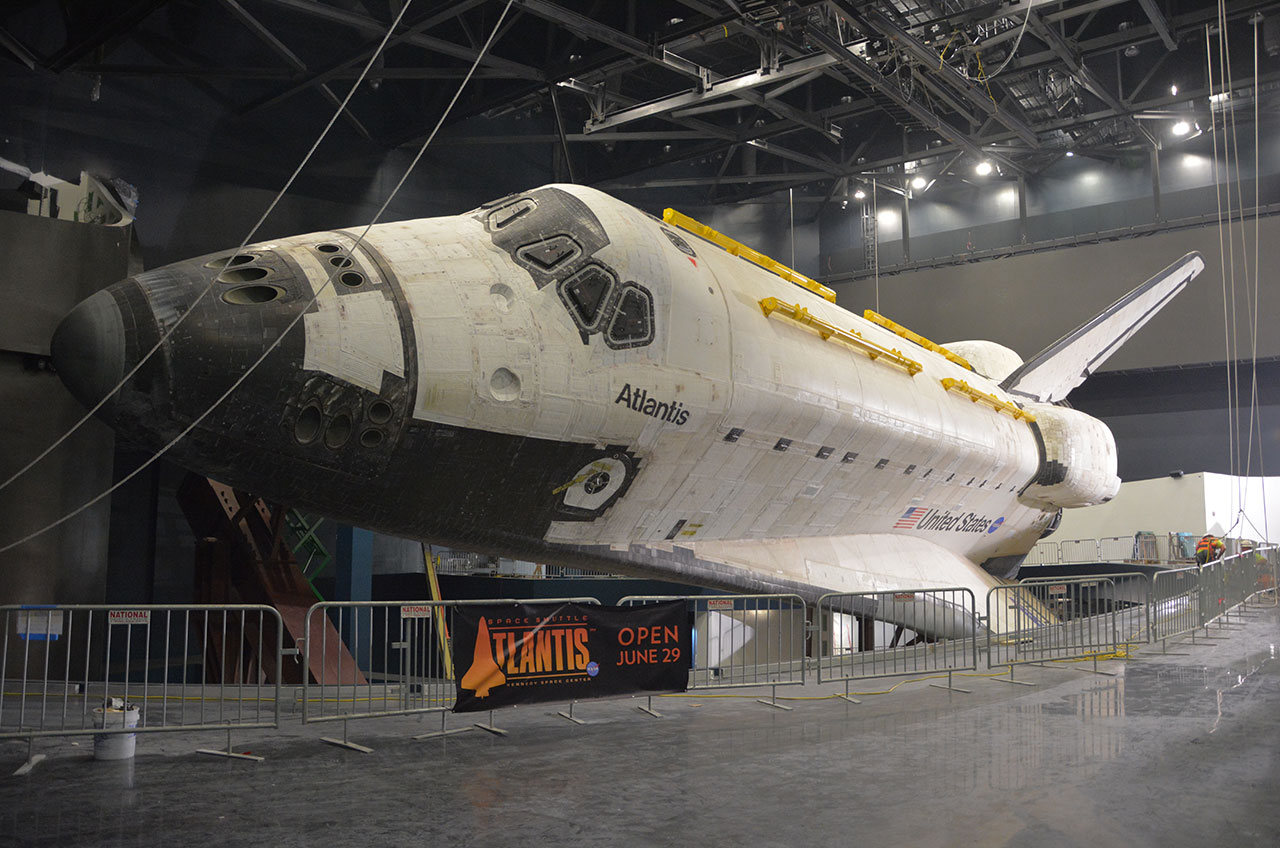 Atlantis exposed: Space shuttle now fully unwrapped for ...