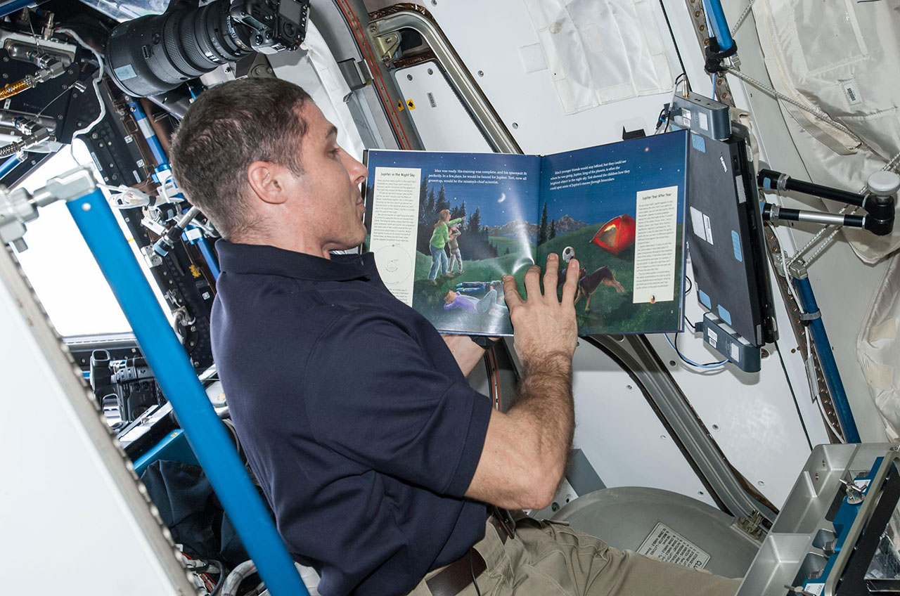 Astronauts share 39 story time from space 39 to inspire for Time to space
