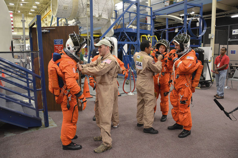 'The Final Four' train for last space shuttle mission