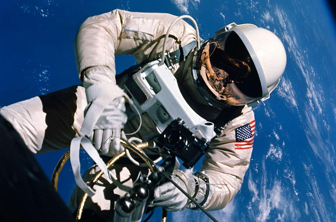 astronauts space walk photos - photo #15