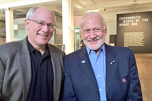 Buzz Aldrin - Page 2 News-062318c