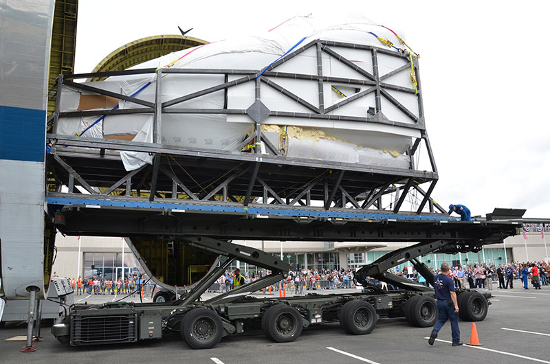 NASA space shuttle trainer lands at Seattle's Museum of Flight