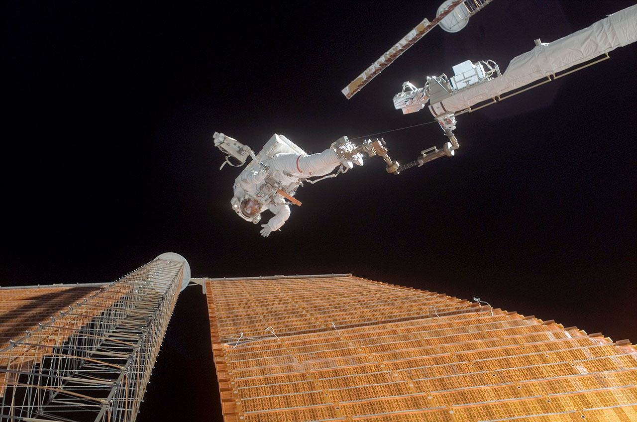 an astronaut in space will observe the sky as - photo #10