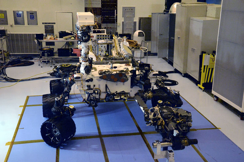 Last look at NASA's car-size rover before trip to Mars