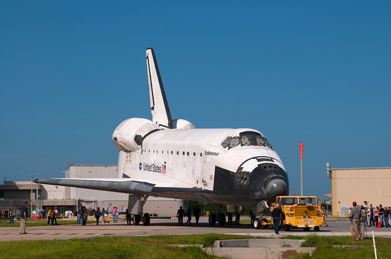 Trading places, space shuttles meet nose-to-nose for a final time