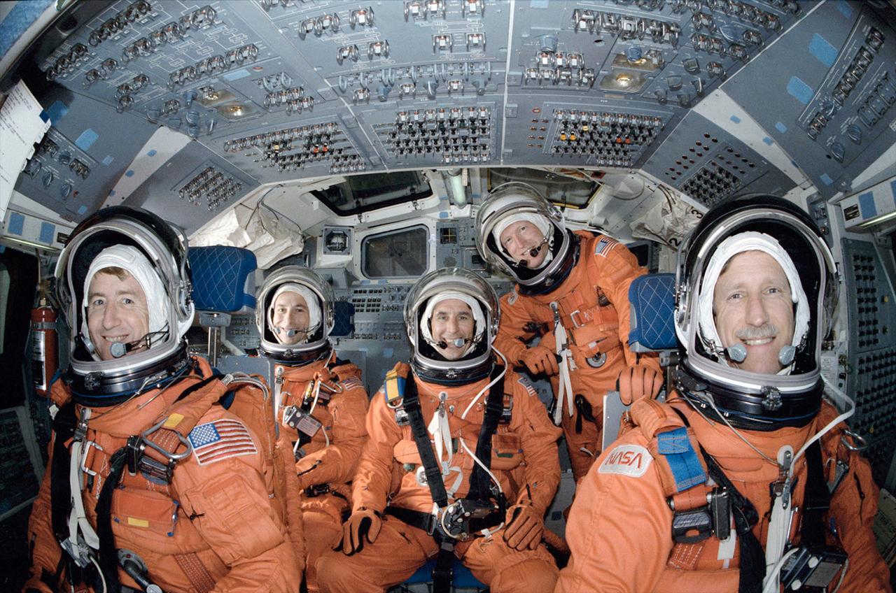 astronauts life in space shuttle - photo #26