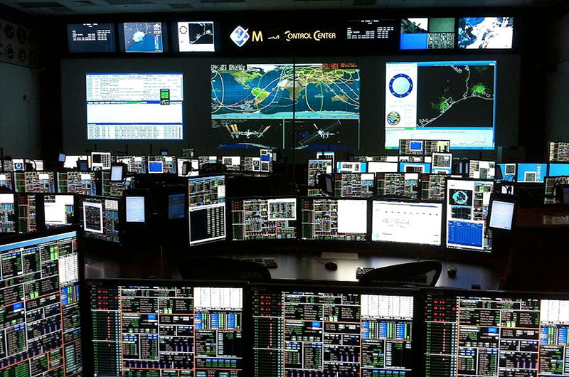 Nasa redesigns mission control for future spaceflights for Futuristic control room