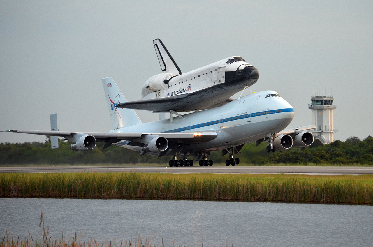 Space shuttle Endeavour departs Florida on final ferry ...