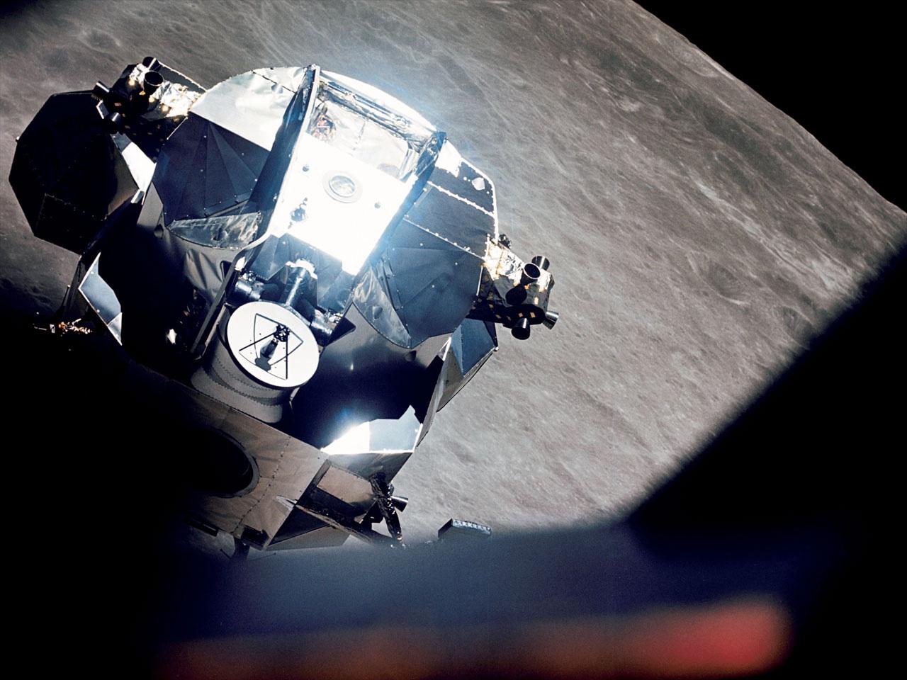 lunar module in space - photo #31
