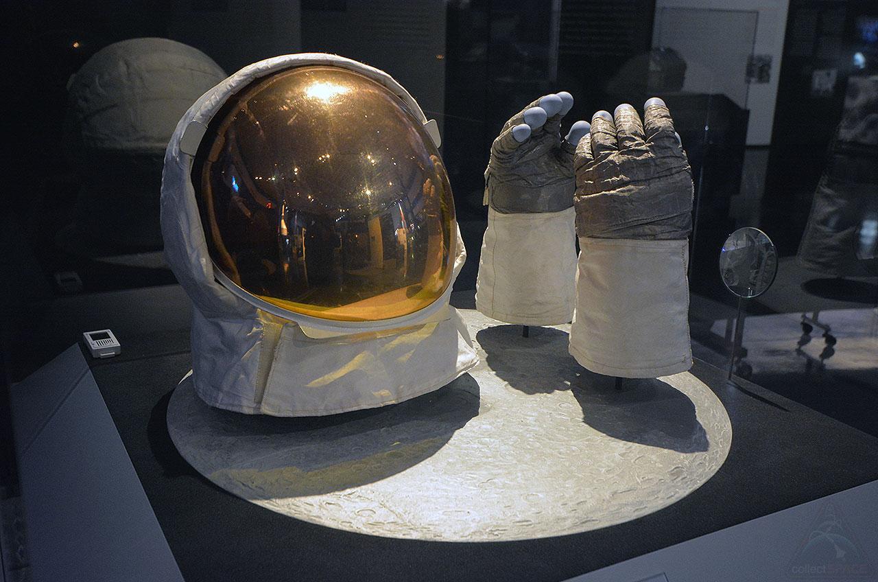 apollo 11 at space center houston - photo #25
