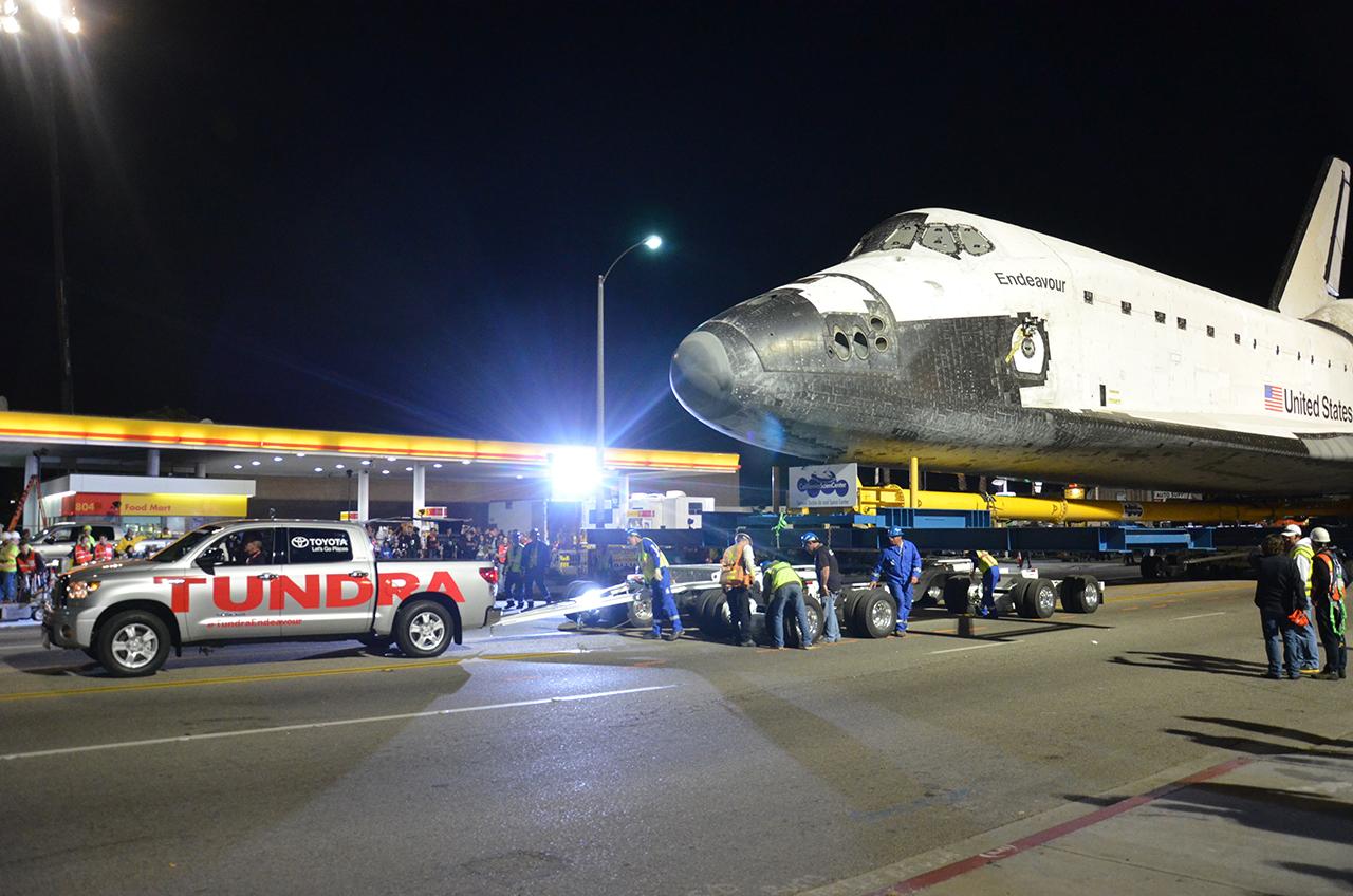 space shuttle toyota tundra - photo #9
