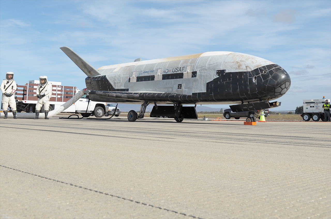 X-37B Military Spaceplane News-101714b-lg
