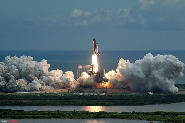 High-flying 'Harmony': Shuttle launches STS-120 crew ...