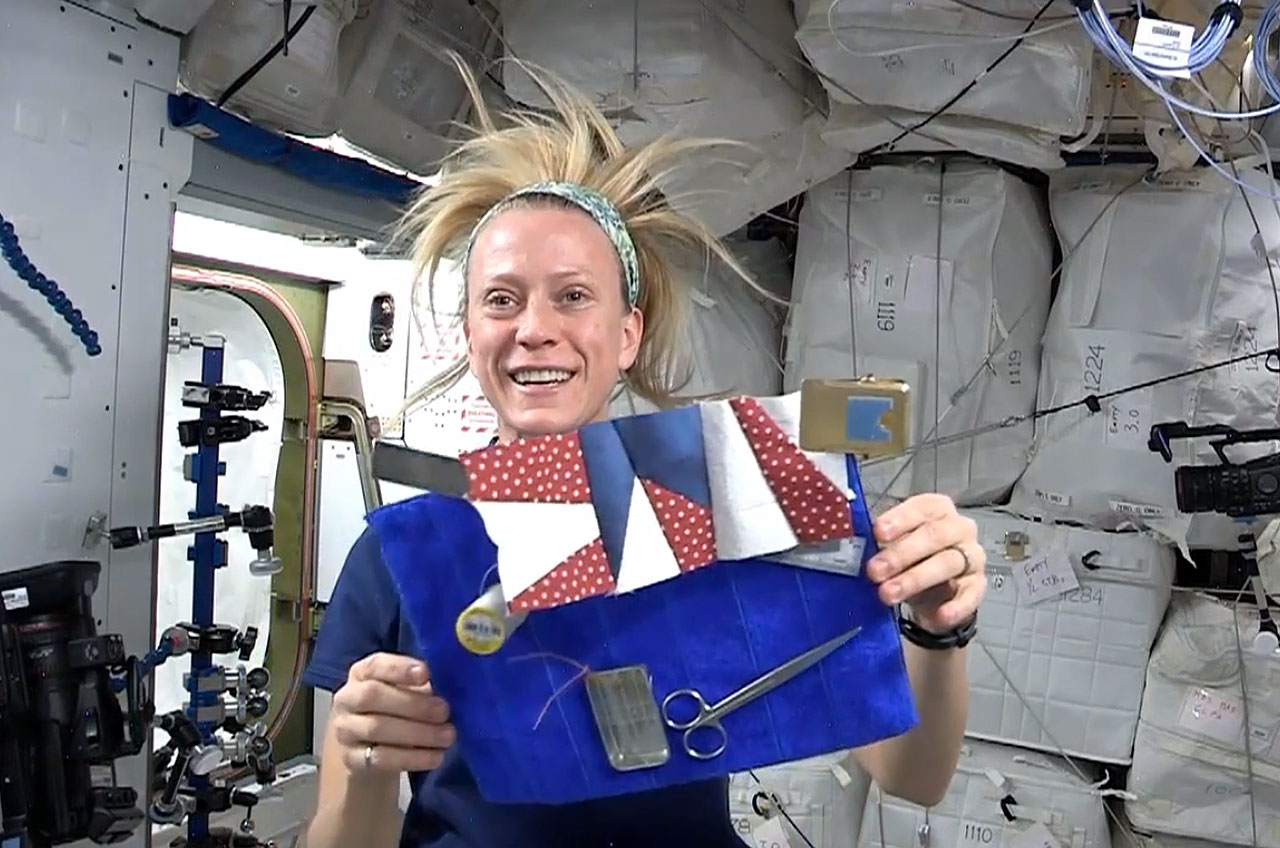 Astronaut S Sewn In Space Star Shines At Quilt Festival
