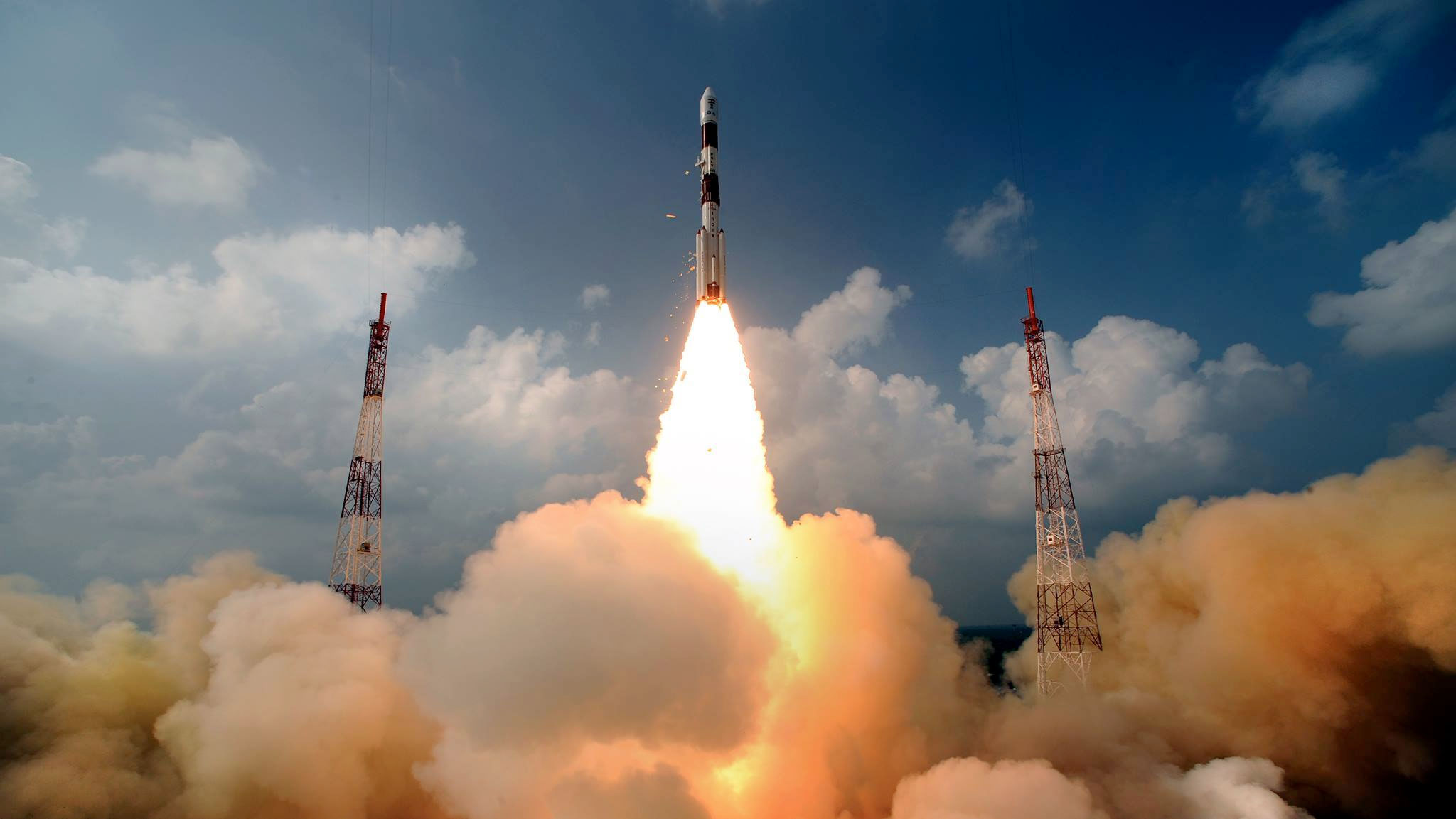 http://www.collectspace.com/images/news-110513a-lg.jpg Mangalyaan Rocket