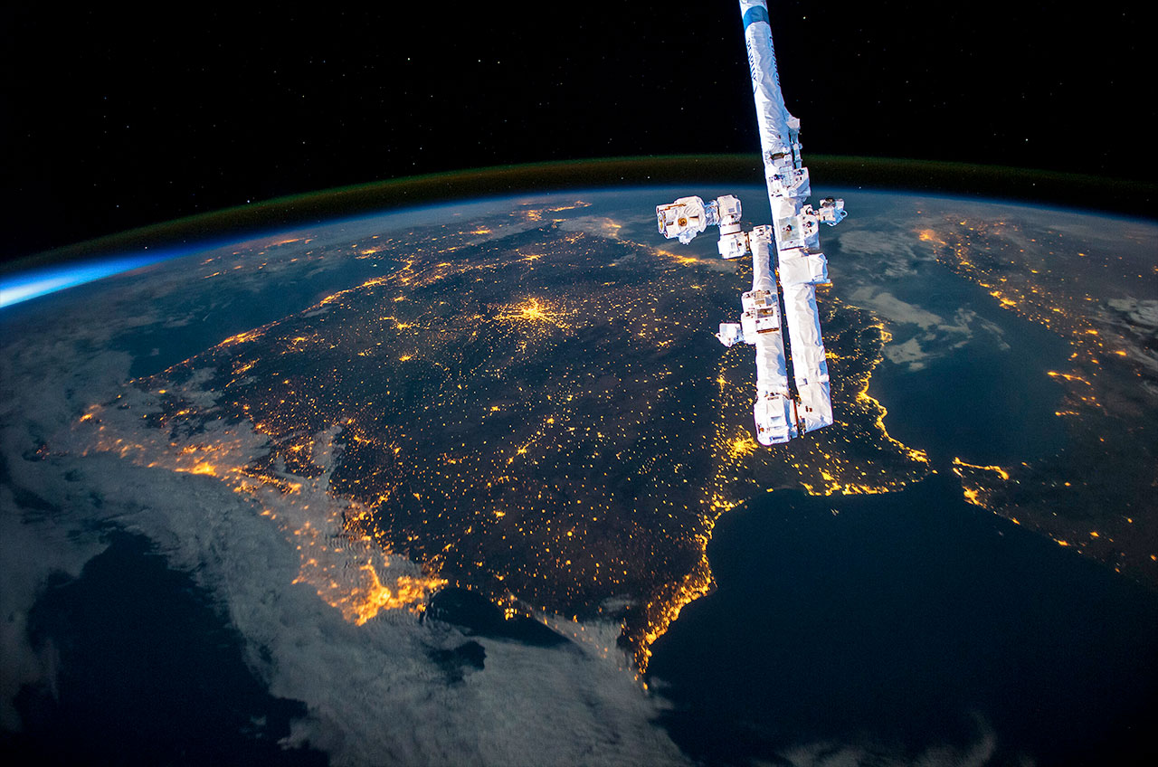 Astronaut Don Pettit's 'Spaceborne' offers other-worldly ...