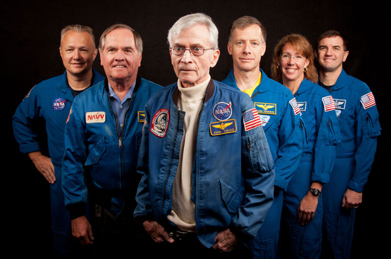 First, last space shuttle crews meet for 'bookend' photos