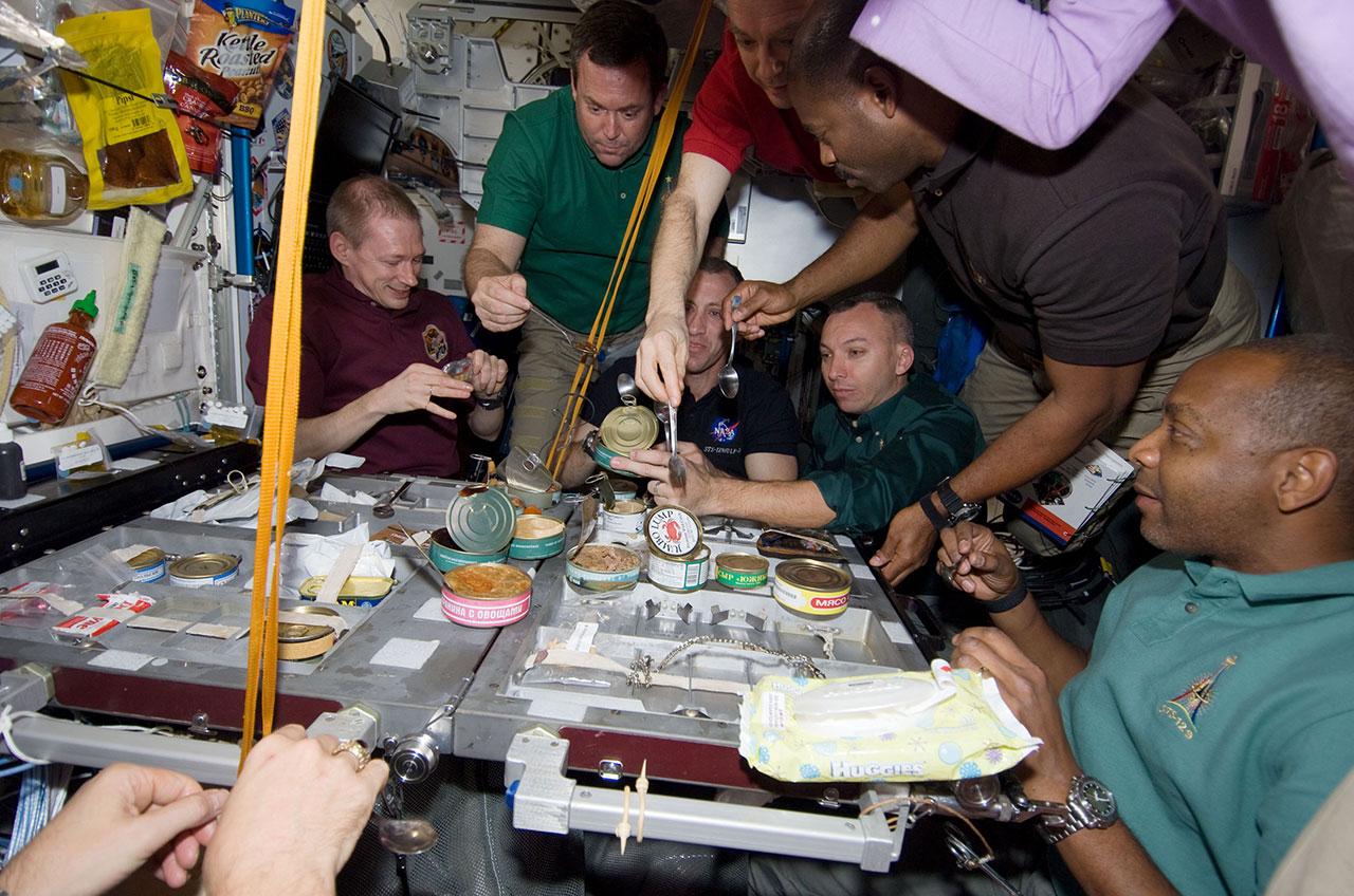 space shuttle atlantis dinner - photo #19
