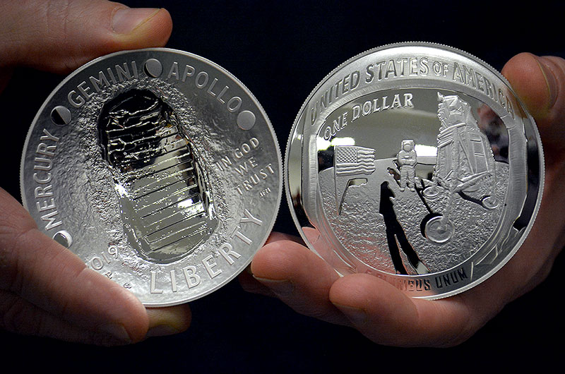 Us Mint Marks First Strike Of Apollo 11 50th Anniversary