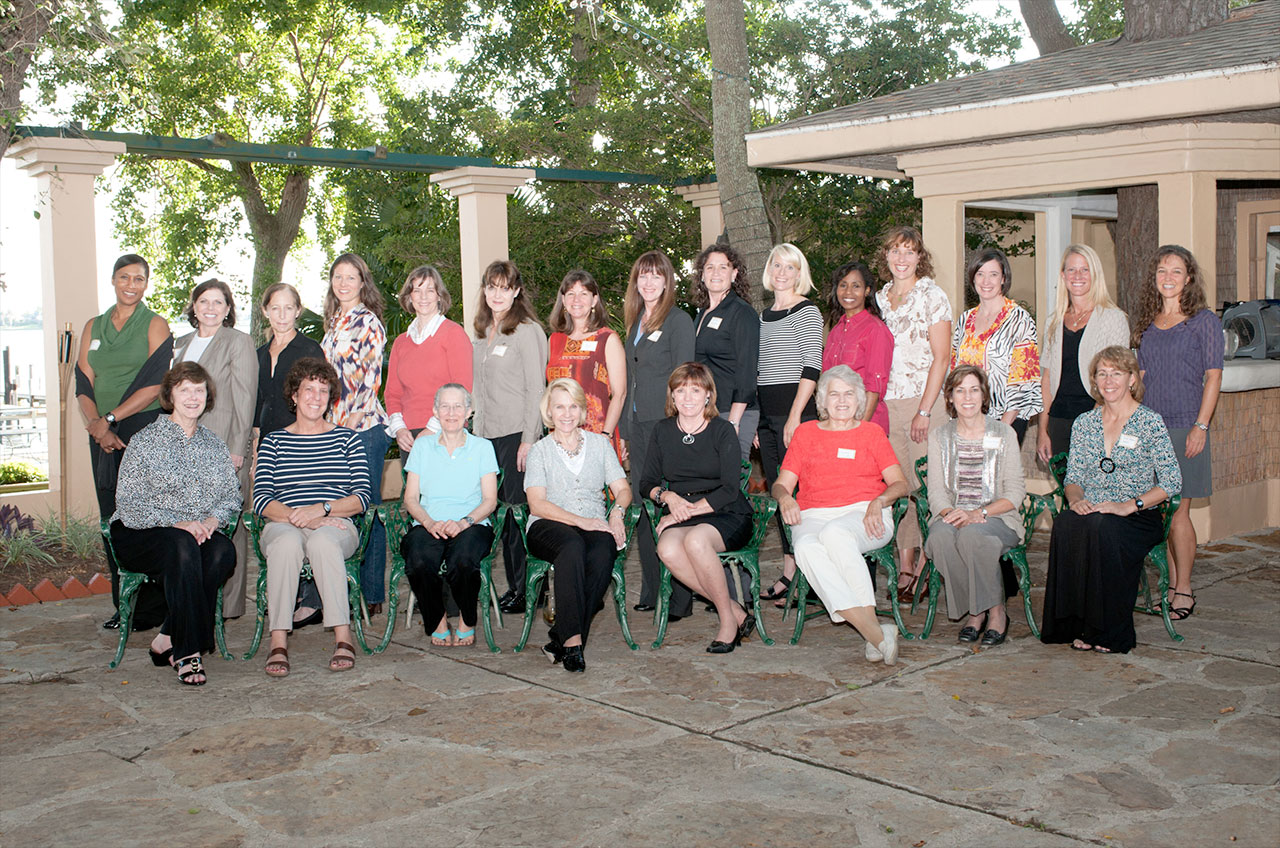 Photo: Female astronauts gather to honor Sally Ride and ...
