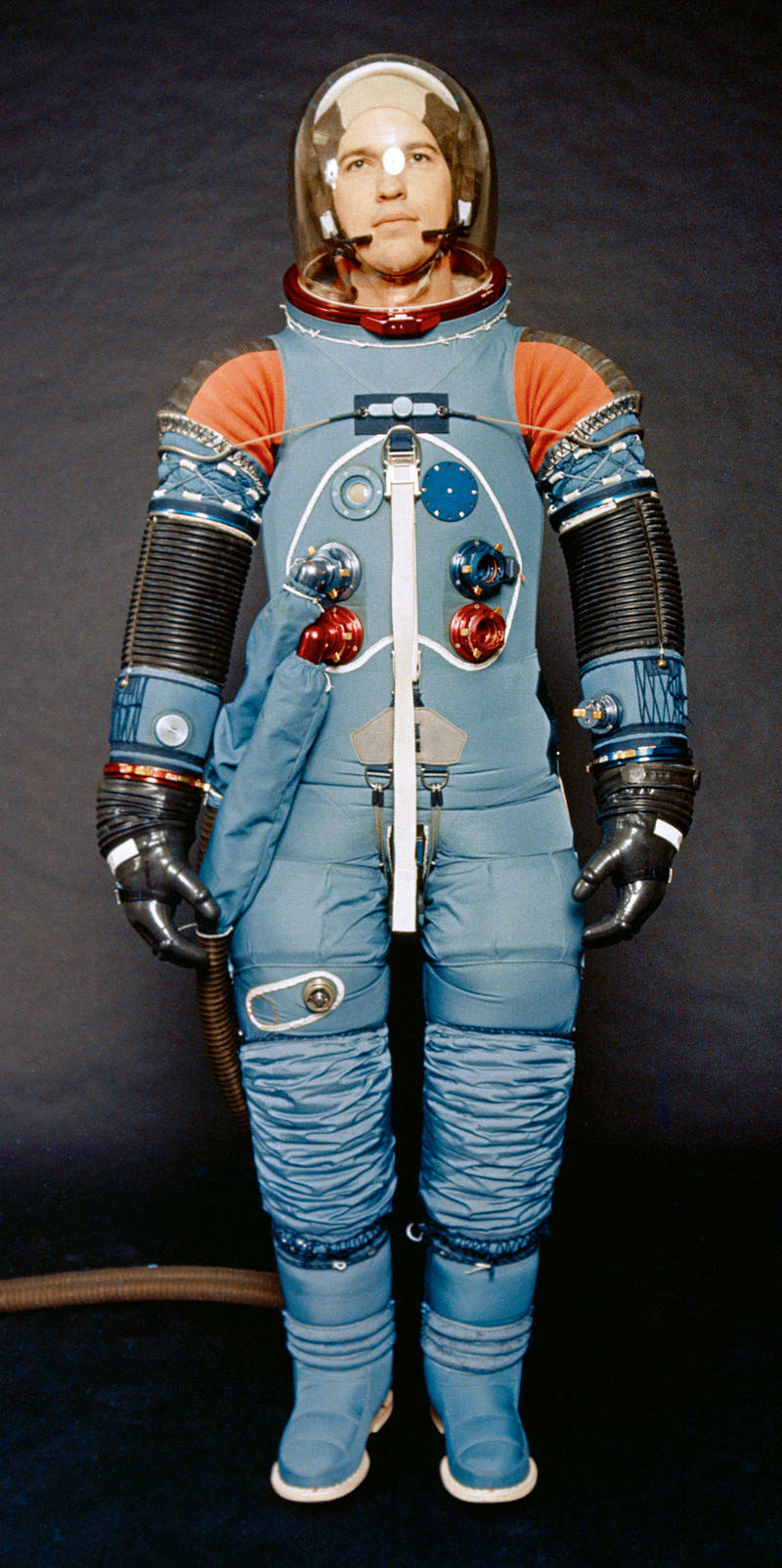apollo a7l spacesuit - photo #4