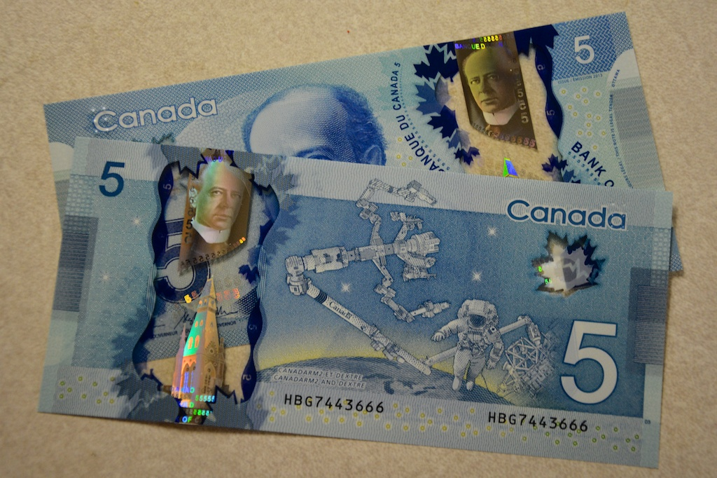 Bank of Canada's $5 note: Canadarm2, Dextre - collectSPACE ...