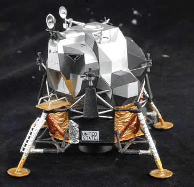 Scale Model Apollo 11 (page 2) - Pics about space