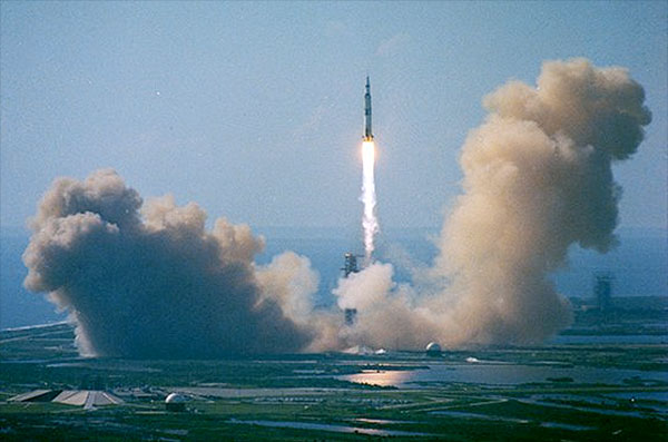 astronaut falling from space to earth - photo #33