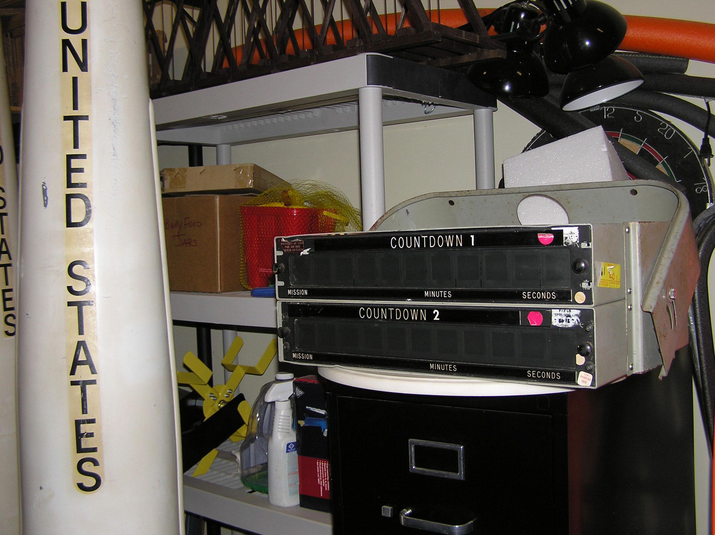 Spike TV's Auction Hunters: Space memorabilia ...