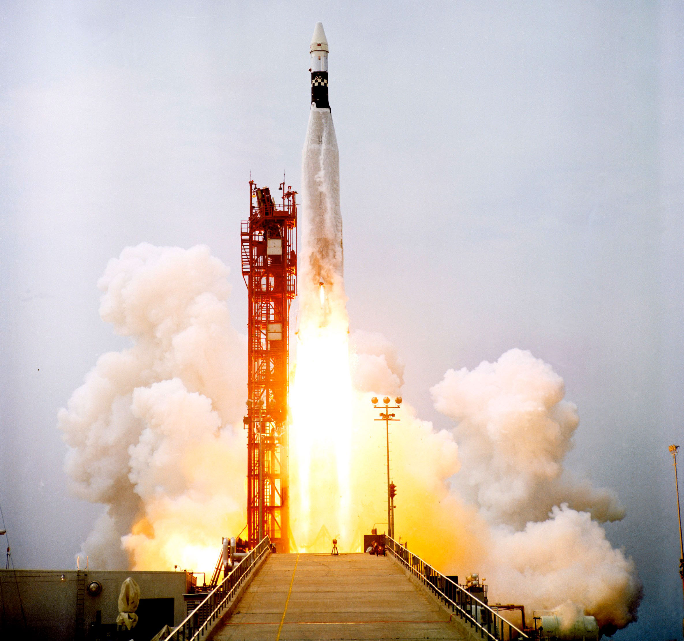 gemini 8 Gemini's mission is to advance our knowledge of the universe by providing the international gemini community with forefront access to the entire sky.
