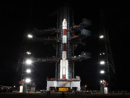 isros chandraayan1 to orbit the moon collectspace