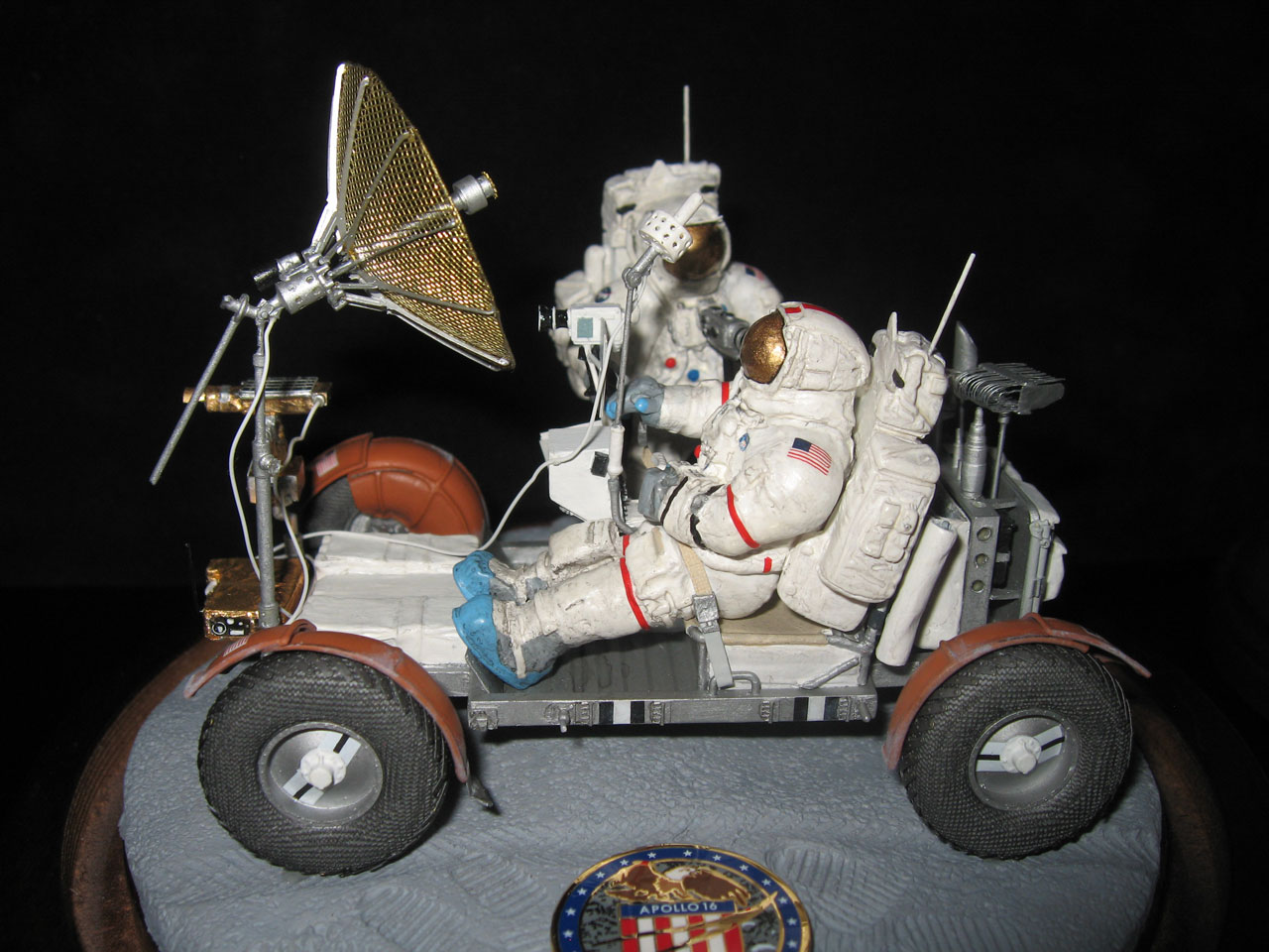 Tom Komorowski's space models and dioramas - collectSPACE ...