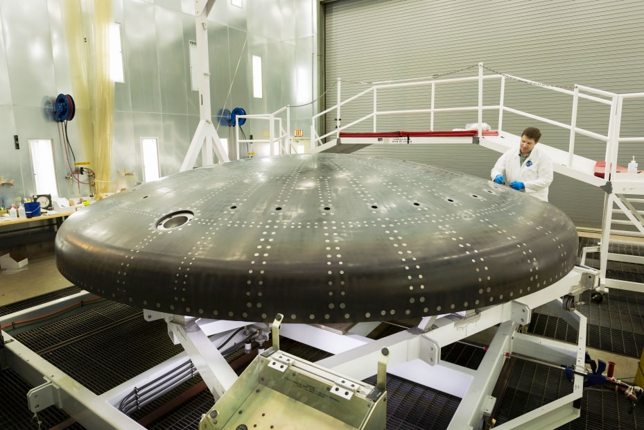the orion shield project Engineers have just installed the huge heat shield on nasa's orion spacecraft the shield is designed to protect astronauts from the extreme heat of re-entry.